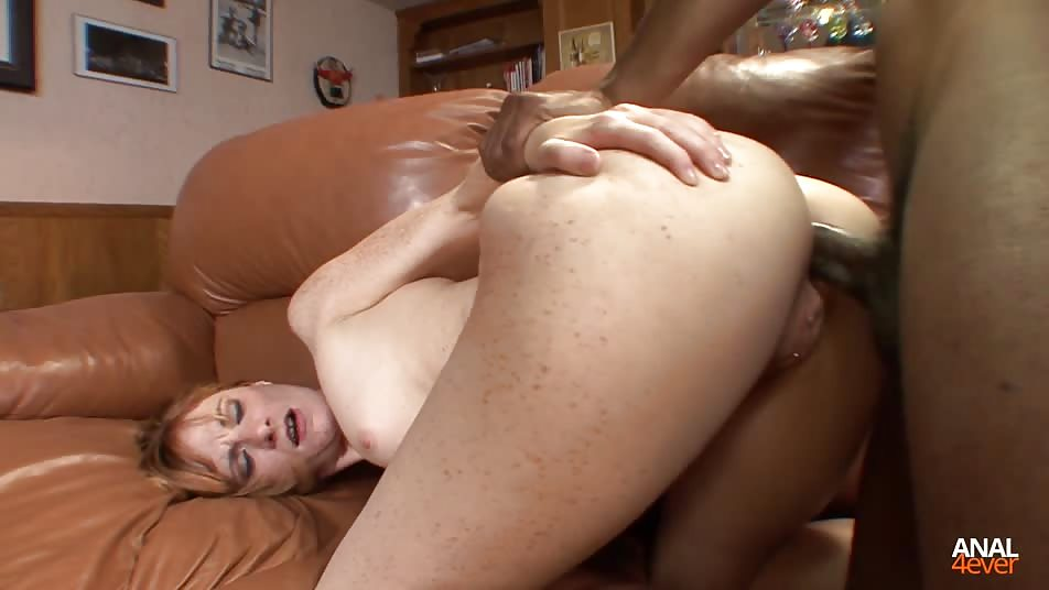 Allison Reel Loves a Big Black Cock up her Ass
