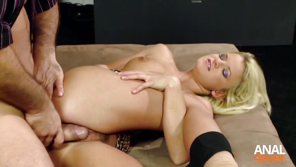 Amazing blonde gets her pussy fucked by a friend