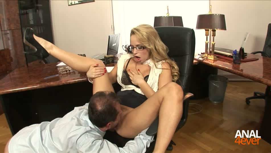 Horny secretary likes to fuck in the office